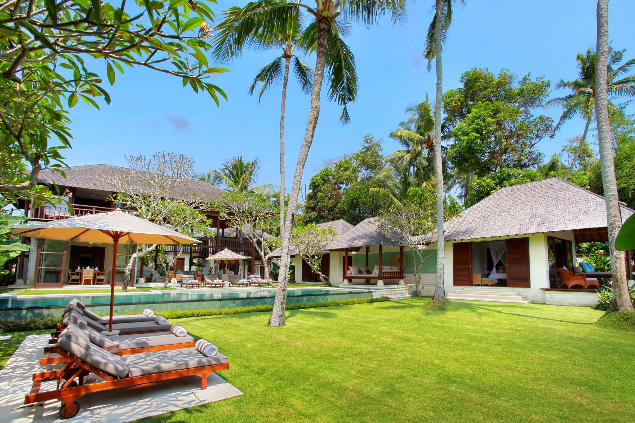 villa-kemah-tinggi-pool-and-garden-7140